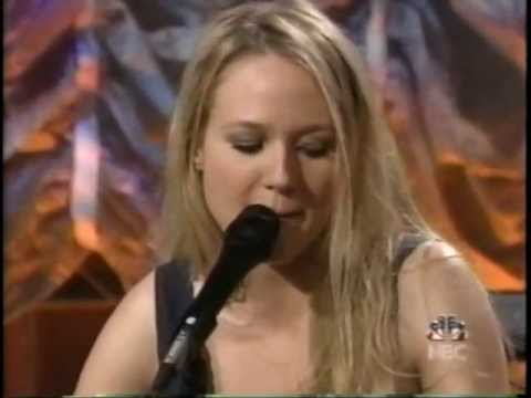 Jewel live on Tonight Show 11-13-01