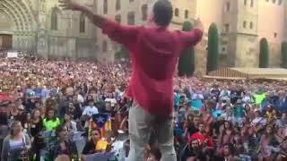 L'Estaca davant la catedral de Barcelona abans del referèndum d'independència Resimi