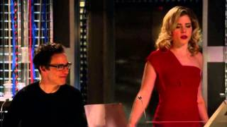 "Felicity Smoak : ""Boom! Drop the mic"""