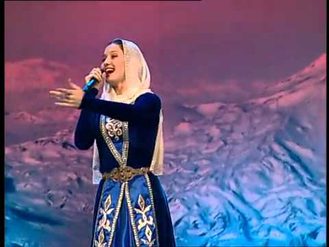 Chechen Girl Sings Armenian Patriotic Song Hay Qajer (Heda Hamzatova)