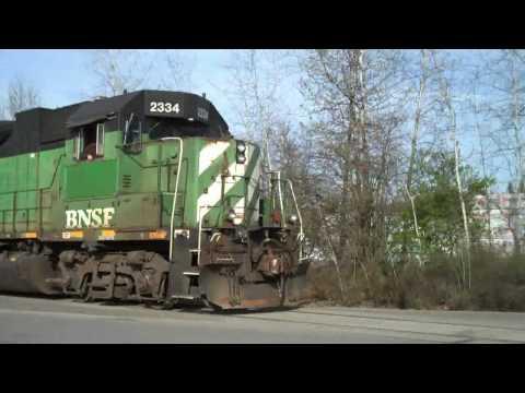 BNSF Switching Cars in Arlington, WA