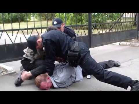 Как полиция ловит преступников видео