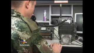 Cómo se ensamblan los radios que usan los soldados del Ejército Nacional
