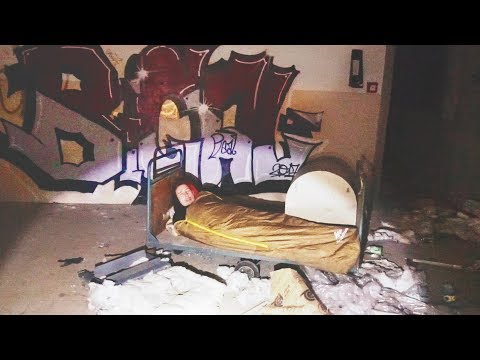 I Spent the Night in an Abandoned Building & It Was Scary AF (Sleep in a Haunted House Challenge)