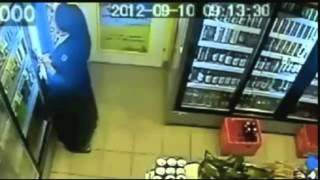 Murgesha kapet duke vjedhur birra (video)