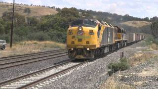 Superfreighter at speed : 8000 HP on 5SM9 : Australian trains and railroads
