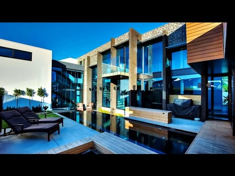Superb Cutting Edge Modern Contemporary Luxury Residence in Christchurch, New Zealand