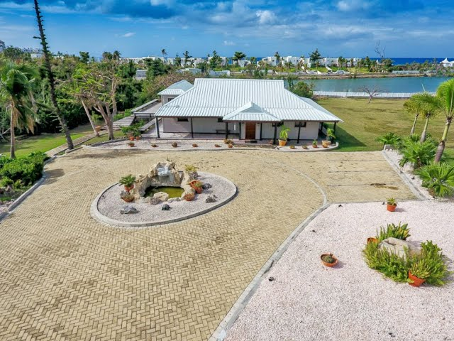 St Martin Terres Basses, Villa Gingerbread for sale