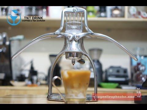 semi-automatic solution your espresso making needs The De'Longhi