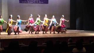 dance on aaj phir jeene ki tamanna hai ( women empowerment )