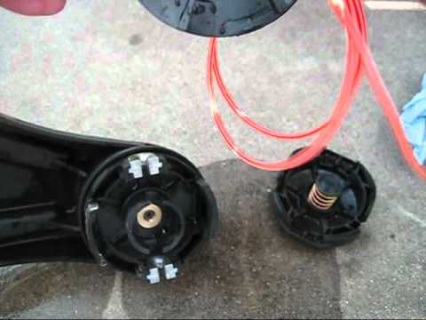 How to Dismantle a Speed-Feed Trimmer Head