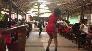 Bailando rumba cubana