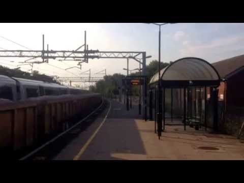 Wolverton station class 66 freightliner