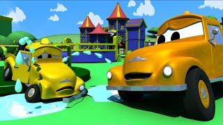 Nehoda malých autíček - Odtahové auto Tom ve městě Aut 🚗 Animáky pro děti