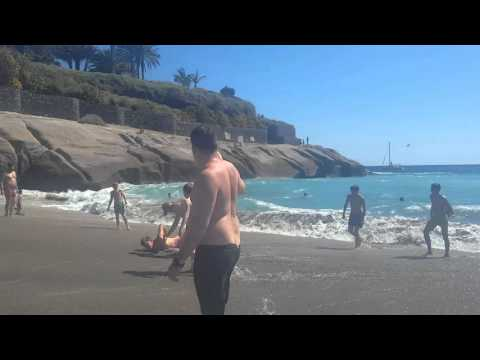 Dangerous waves/accident at Costa Adeje