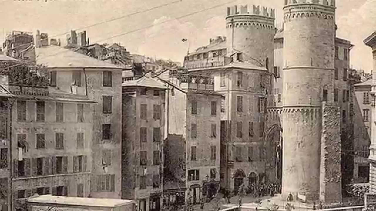 Genova antica youtube for Foto di case antiche