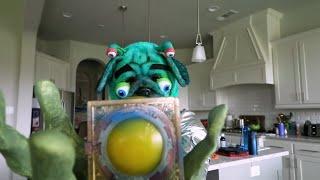 ALIEN FACE REVEAL! (Kids vs Alien Hide and Seek Game / Skit) KIDCITY