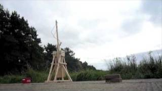One of the most spectacular counterweight Trebuchets ever made on English soil.