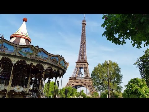 Walking by the Eiffel Tower | My Paris Holiday