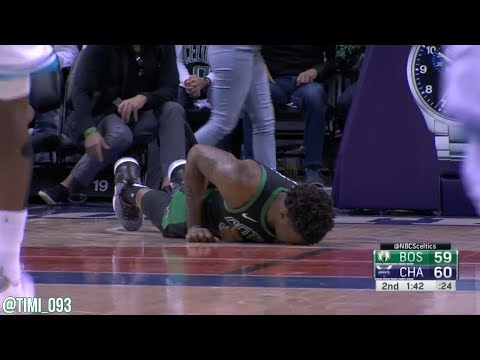 Robert Williams takes a nasty fall vs Hornets (03/23/2019)