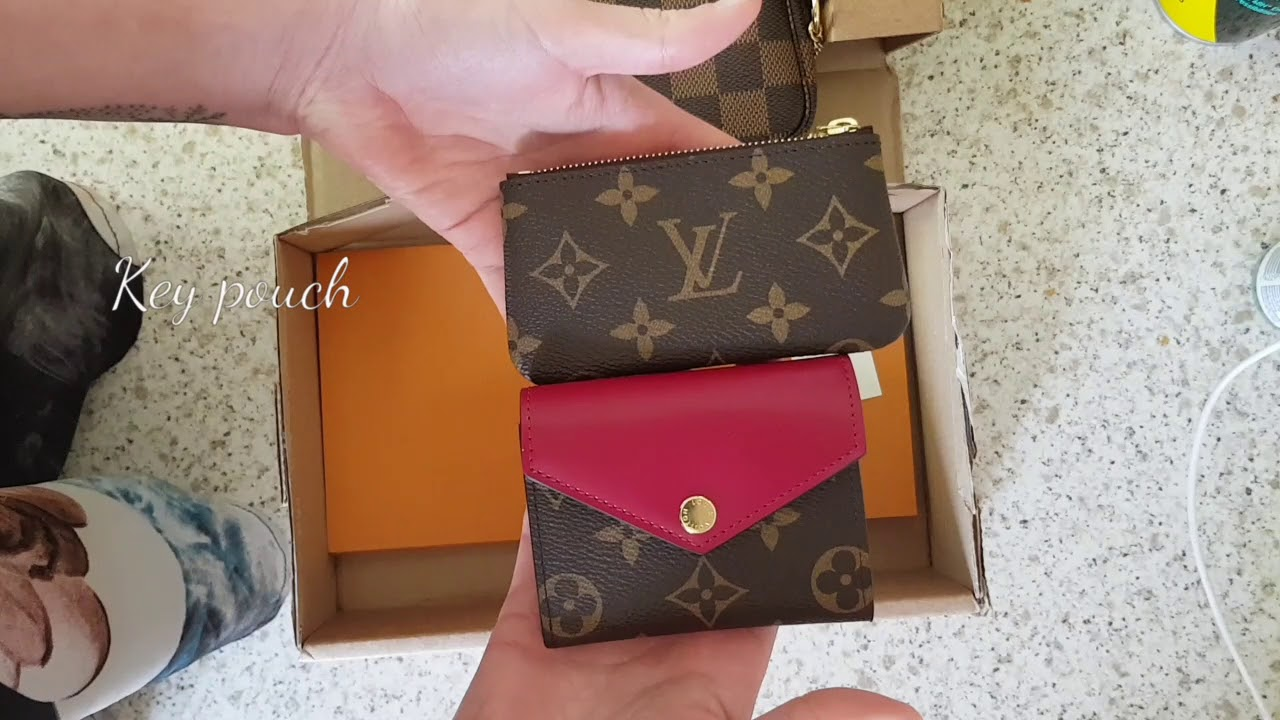 9a020e6e72ba Louis Vuitton Zoé wallet comparison Rosalie