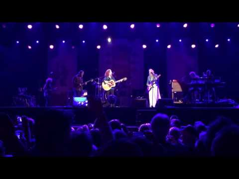 Bonnie Raitt, Susan Tedeschi, Derek Trucks - Angel From Montgomery