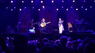 Bonnie Raitt, Susan Tedeschi, Derek Trucks - Angel From Montgomery