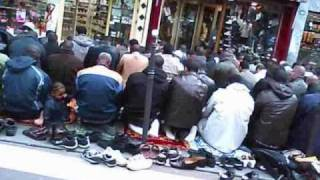 Shocking video ! Barbès Boulevard taken over by Muslims (Islamized Paris 8)(Every Friday, Barbès Boulevard (18th district of Paris) is occupied by Muslims. They take over the sidewalks and compel pedestrians to walk on the pavement, ..., 2010-11-14T01:49:57.000Z)