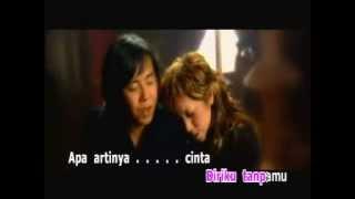 Video Melly Goeslow ft Ari Lasso - Apa Artinya Cinta (lirik) download MP3, 3GP, MP4, WEBM, AVI, FLV Desember 2017