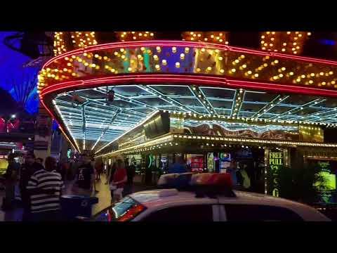 Redstor Gangsters in Las Vegas old town.
