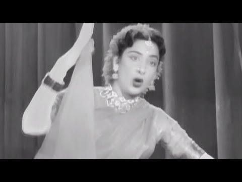 Nargis & Raj Kapoor Superhit Romantic Song Jahan Main Jaati Hoon - Superhit MovieChori Chori