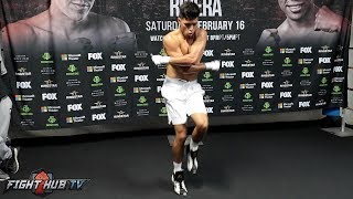 KARLOS BALDERAS SHOWS YOU HOW A PROFESSIONAL JUMP ROPES DURING HIS BOXING WORKOUT