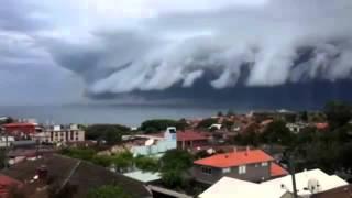 'Cloud Tsunami Rolls Over Sydney
