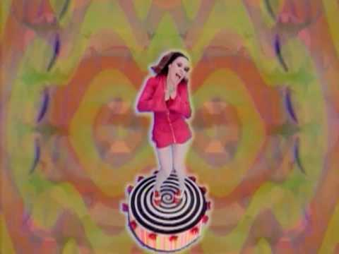 Deee-Lite - Groove Is In The Heart (Video Version)