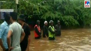 പ്രധാന റോഡുകളിലും വെള്ളം കയറി    Kerala floods
