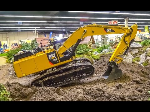 155 kg! RC  Excavator in HUGE 1/8 scale! R/C Caterpillar Action!