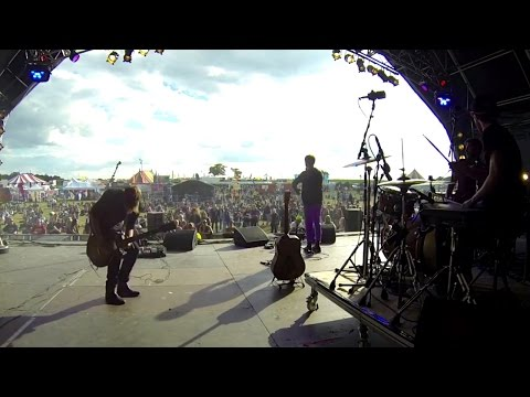 Nothing But Thieves :: Live at Brownstock Festival