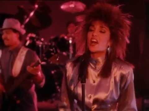 Stepie Kramer singing