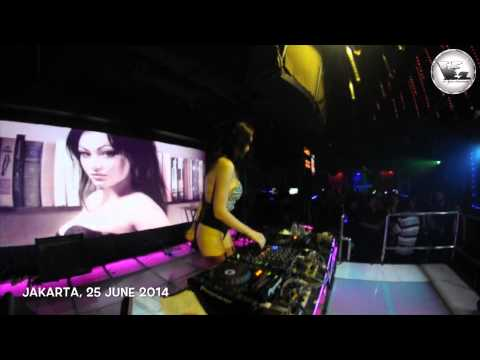 V2 club jakarta 39 let the welcome back 39 dj amel alvi 13 for Terrace karaoke jogja