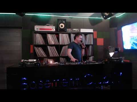 Maximo Live In Basement Club TV #9
