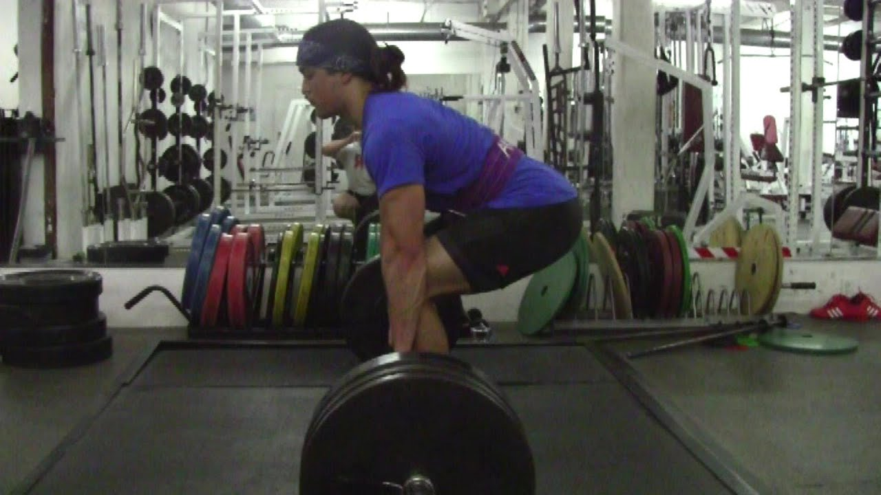 HOW to Deadlift Tip: Pulling the Slack out of the Bar - YouTube