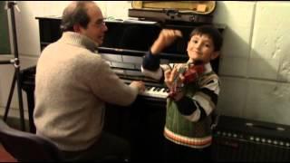 Как в Италии обучают детишек пиликать на скрипке. Lezioni di violino