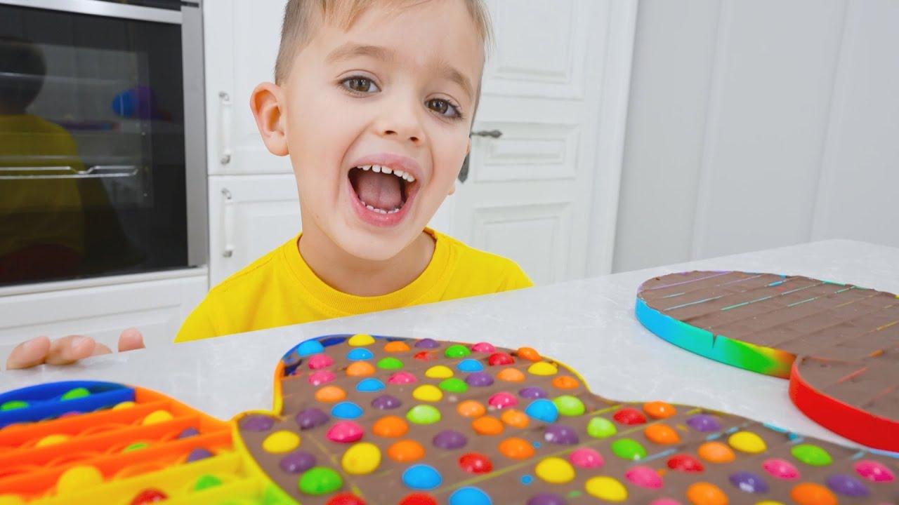 Niki play and make chocolate pop it  Funny kids video