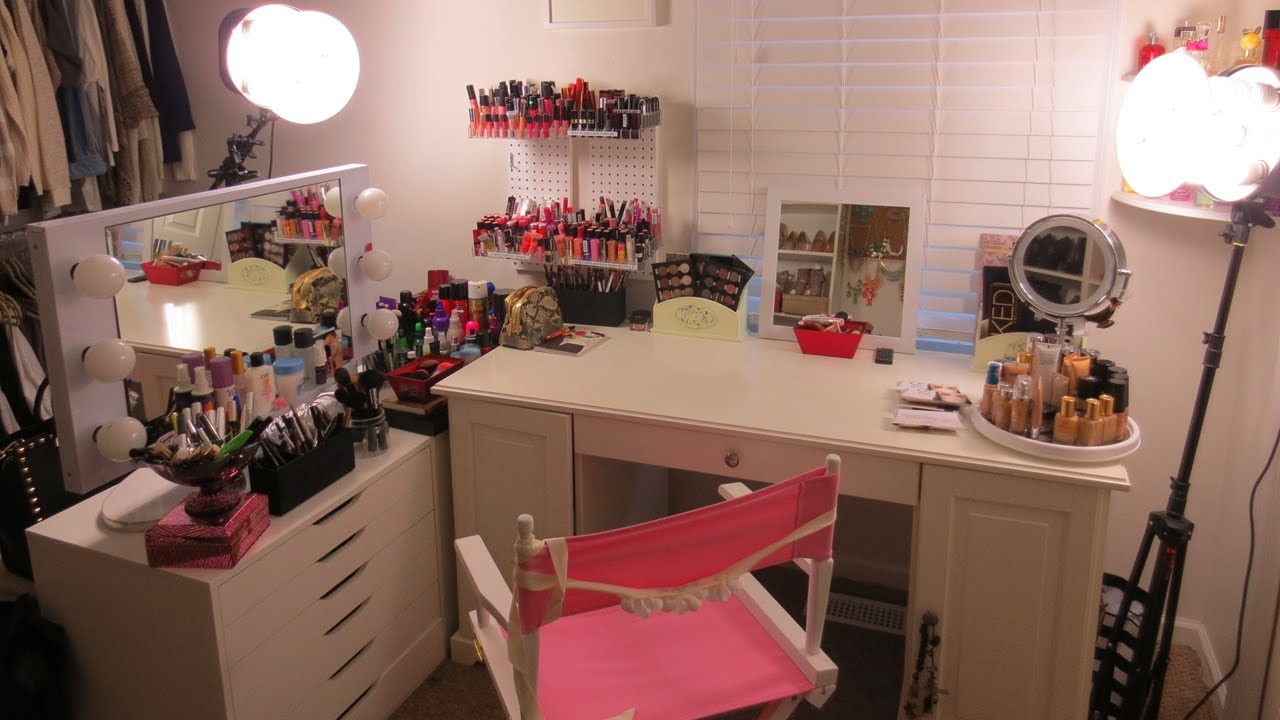 Makeup room tour vitale style with laura vitale youtube - Small space makeup vanity style ...