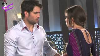 On location of TV Serial 'Madhubala'  Madhu sees lipstick mark  on RK's collar and both have a tiff