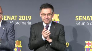 Our on-field camera tracked barcelona president josep maria bartomeu as fans called on him to resign during saturday's 5-0 thrashing of eibar. connect with b...