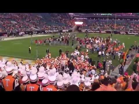 Vols Celebrate Gator Bowl Win (Tennessee Waltz & Rocky Top)