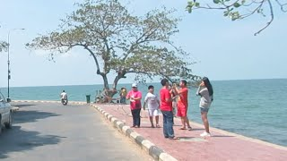 Buy Seafood from Crab Market for Lunch at Kep Beach