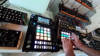 Colours - mit Moog Dfam, Toraiz DJS-1000,  Modal Cobalt,  Novation Peak & Enjoy Electronics Reminder