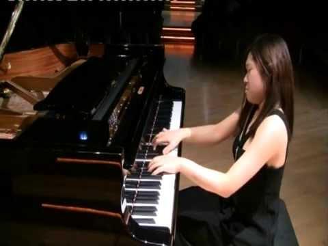 Sukyeon Kim plays Schumann and Kapustin